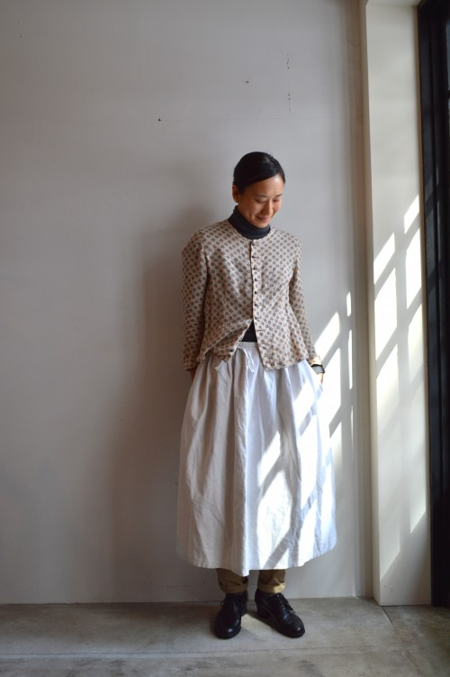 Apron : Vintage ¥14,800+tax Bottoms : 1950's French Work Trousers ¥16,800+tax Shoes : ANATOMICA ¥92,000+tax