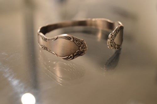 Sarah Coventry (サラ・コベントリー) Vintage Spoon Bangle sold
