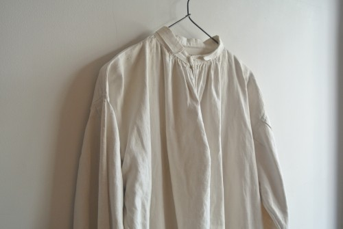 Antique White Linen Smock ¥29,000+tax