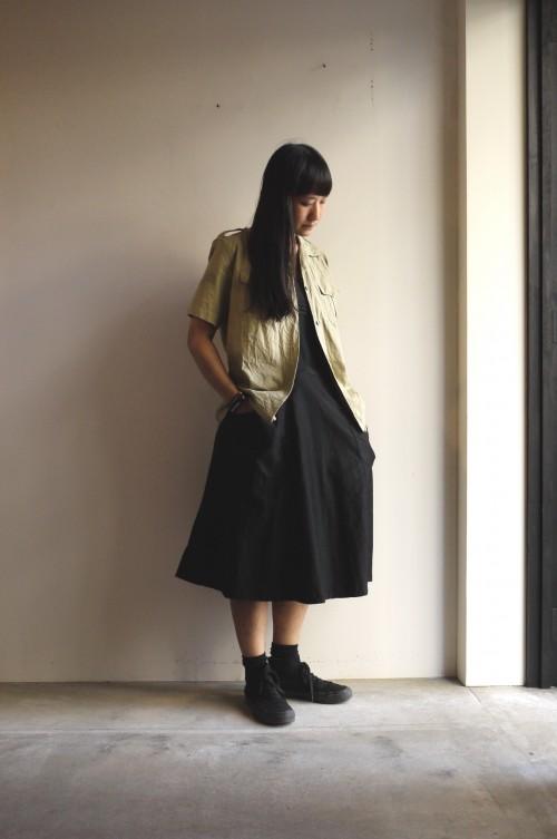 Shirts : French Army Safari Shirts ¥8,800+tax Apron : Vintage ¥15,000+tax Shoes : Wakouwa