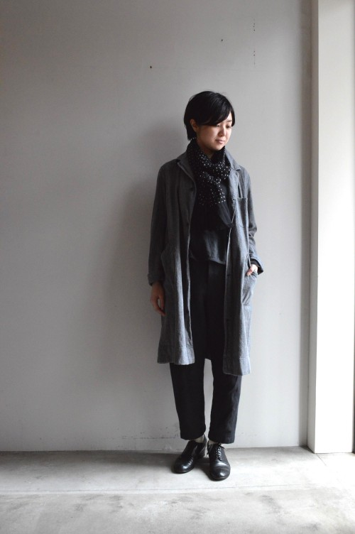 Coat : Sold Bottoms : Forme D'expression ¥81,000+tax Stole : Draks (私物) Shoes : ANATOMICA (私物)