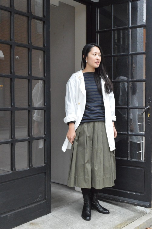 Parka : Swedish Army Skirt : Gallego Desports (ARCH HERITAGE WOMENS) Shoes: ANATOMICA