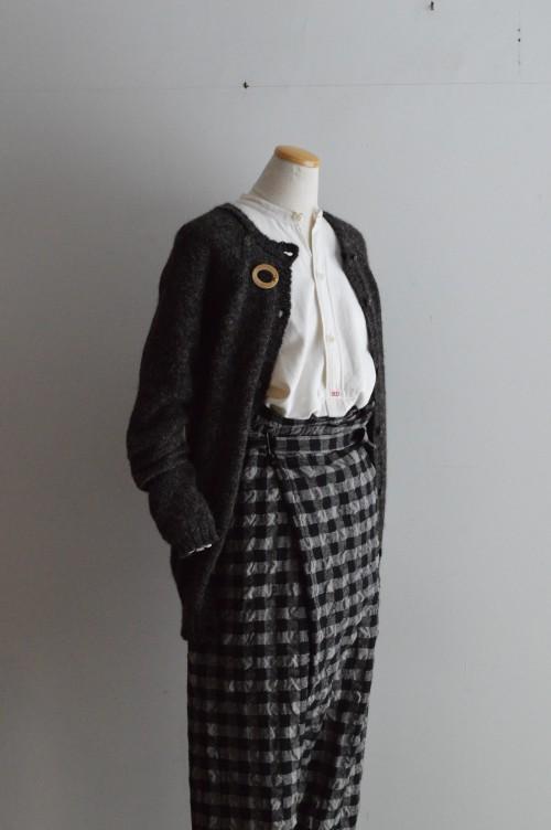 Cardigan : CABINET Shirts : Vintage Pants : Forme D'expression Brooch : Vintage