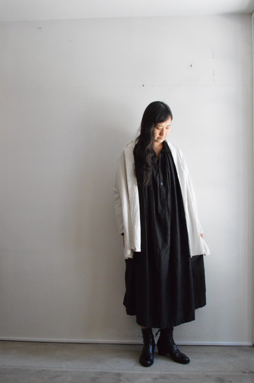 Cardigan : TOUJOURS (Arch heritage womens) Shoes : ANATOMICA