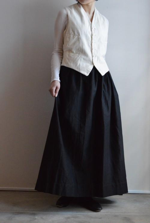 Antique Black Moleskin Skirt ¥59,000+tax
