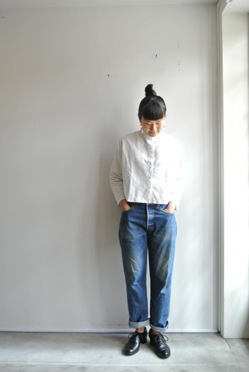 Blouse : Antique Denim : Levi's Shoes : ANATOMICA Earrings : Vintage Miriam Haskell