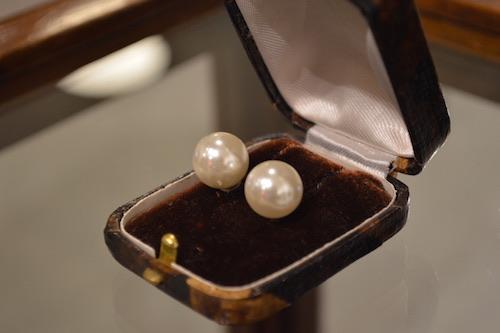 antique accessory
