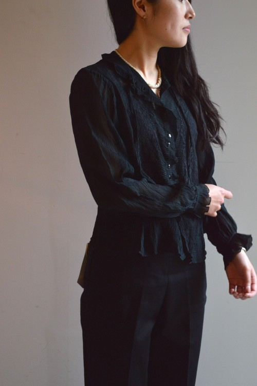 Silk Blouse : Late 1800's ¥60,000+tax Bottoms : ANATOMICA
