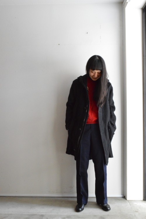Coat : Forme D'expression ¥159,000+tax Knit : Vintage ¥14,000+tax Brooch : Vintage ¥18,000+tax