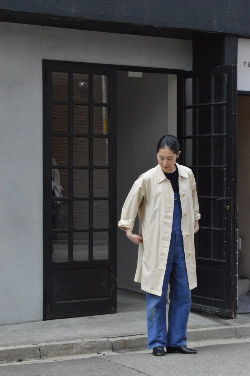 Coat : Vintage Burberrys' ¥48,000+tax Shoes : repetto ¥35,000+tax